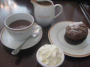 Chocolat Chaud l'Africain and Mont Blanc
