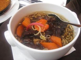 À la carte: Joue de bœuf au vin rouge - beef cheeks cooked beef bourguignon style